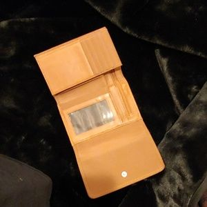Kenneth Cole Bags - Kenneth Cole Reaction Wallet